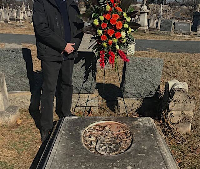 Jeff at grave 2021